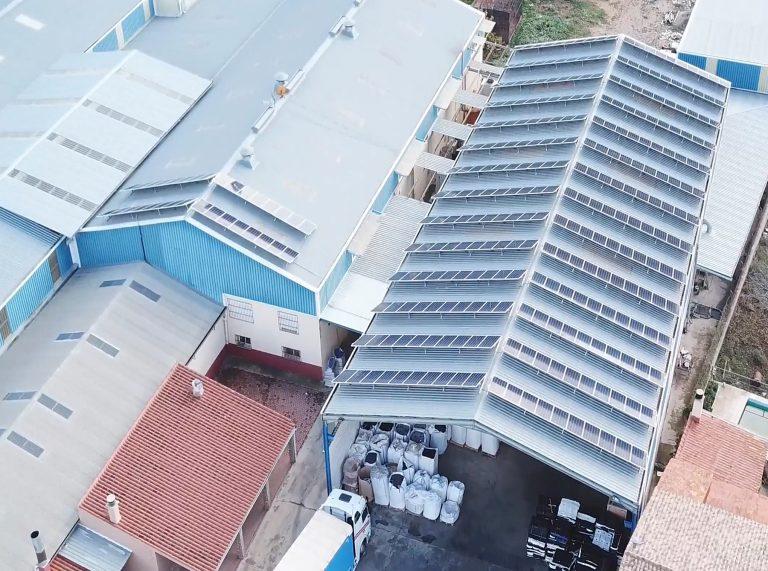 Envajara, S.A., termina su proyecto de instalación de placas fotovoltaicas